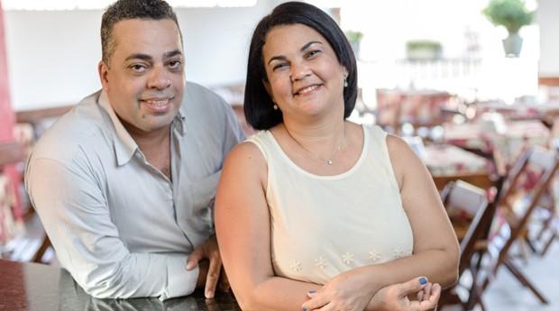 Samuel Manoel e Maria da Conceição, sócios do Espetinhos da Ceça no Recife, empreendedores apoiados pela Aliança Empreendedora (Foto: Aliança Empreendedora)