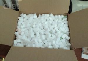Uso de isopor ajuda a preencher espaços vazios do pacote.