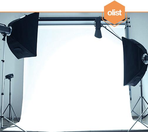 Como fazer fotos de produtos com fundo branco para vender online?