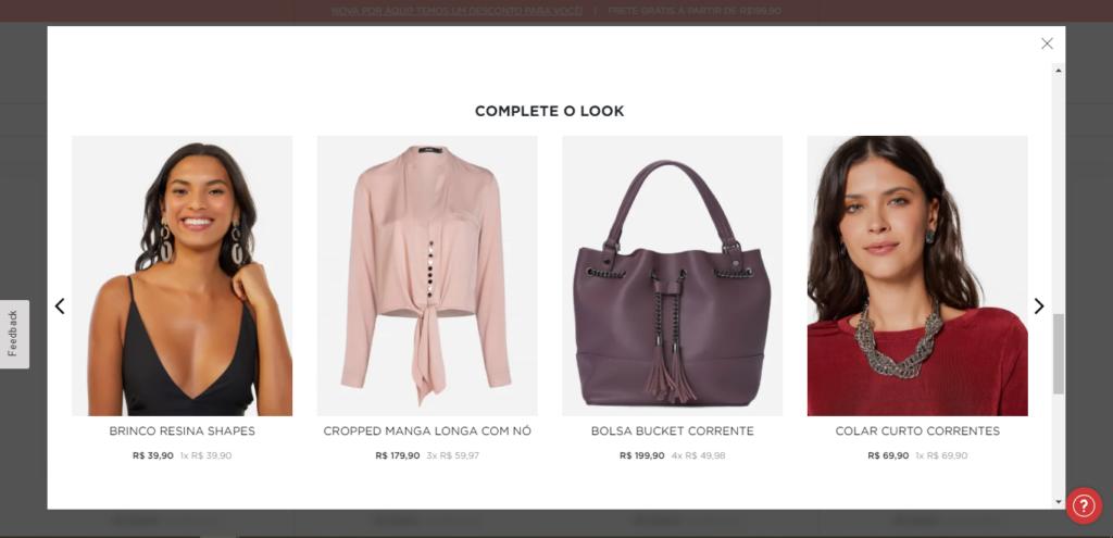 Recomendação de itens relacionados a uma calça, em um e-commerce de moda. | Reprodução: Amaro